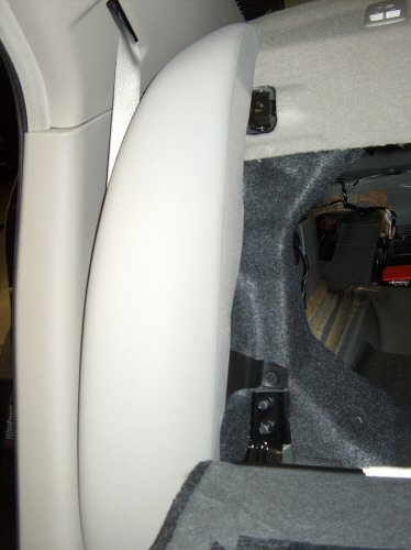 How To: Remove Rear Deck Cover & Rear Speakers-03.jpg