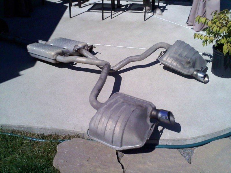 EXPIRED: F/S: 300c 2005 stock exhaust - like new ...