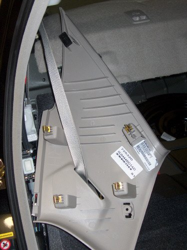 How To: Remove Rear Deck Cover & Rear Speakers-11.jpg