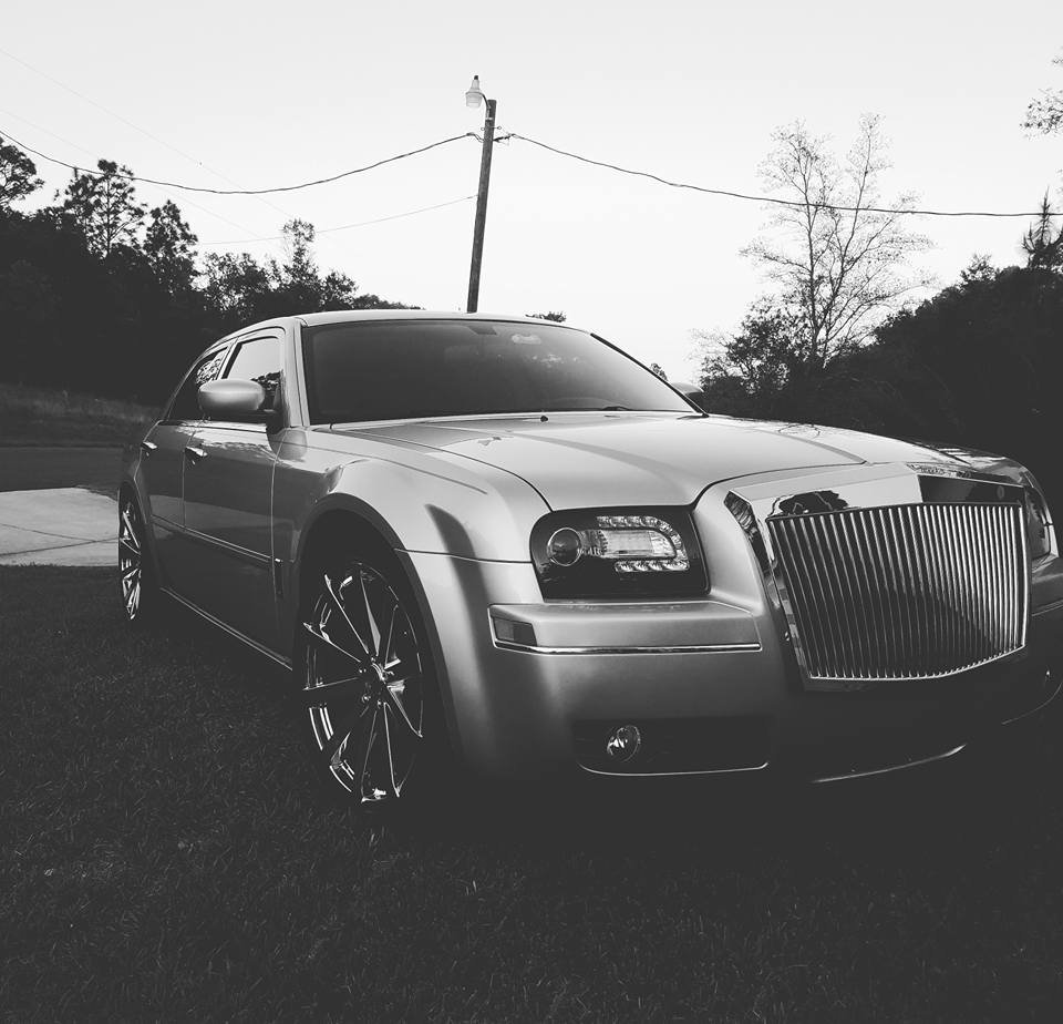 Chrysler 300c Forum 300c: New 22's On 06' Chrysler 300 Limited