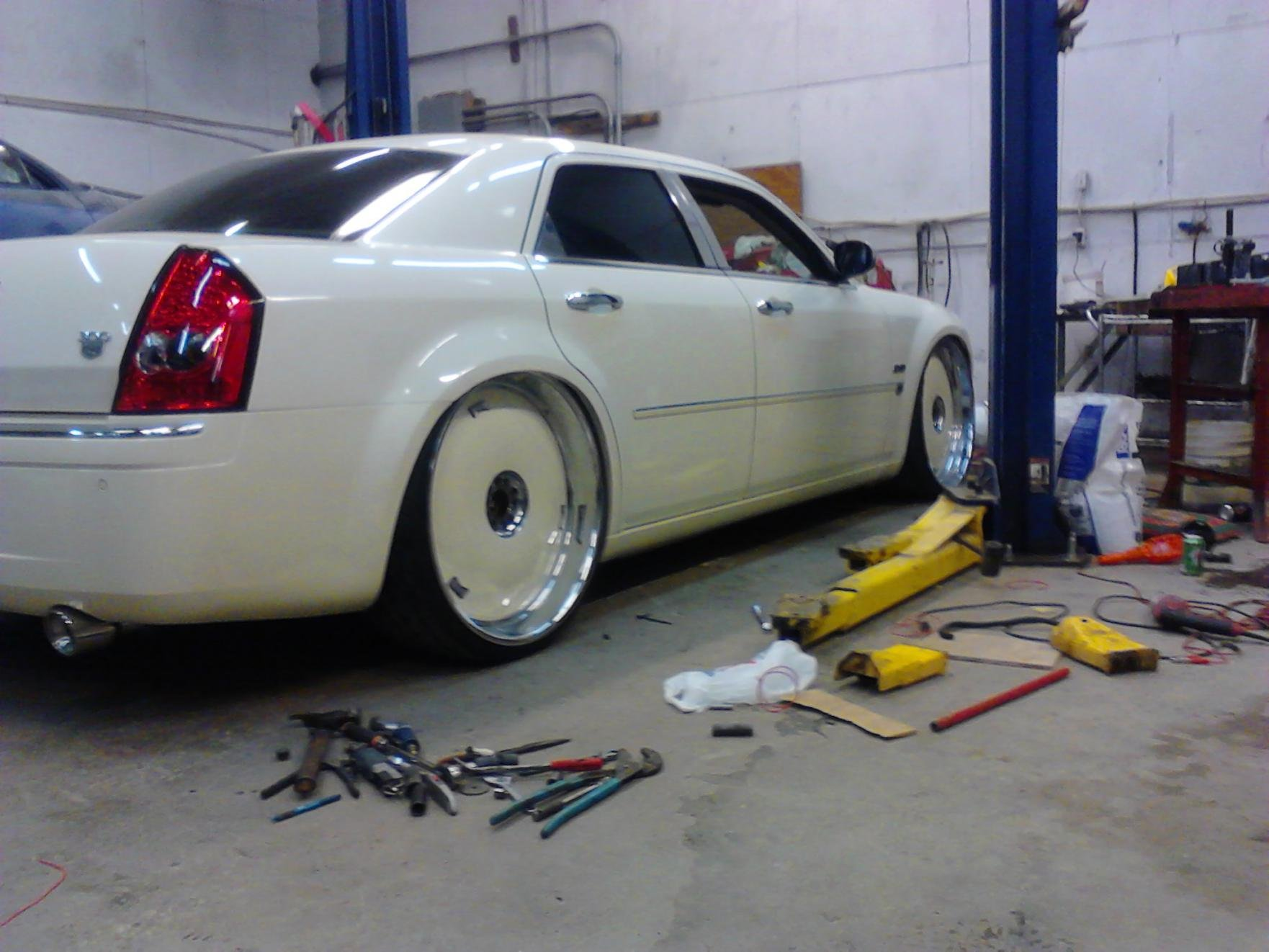 Chopped Bagged Pro Touring Monster furthermore Cmeetgreet in addition Chrysler C Odd Featured likewise D Has Any One Airbagged C S as well Au. on bagged chrysler 300 srt8