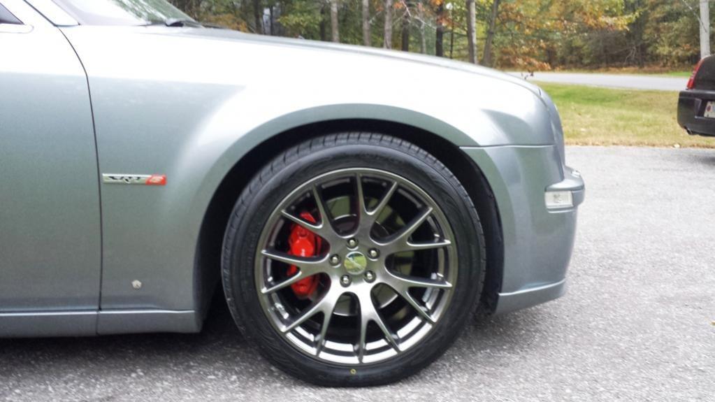 Chrysler 300 srt8 rims and tires