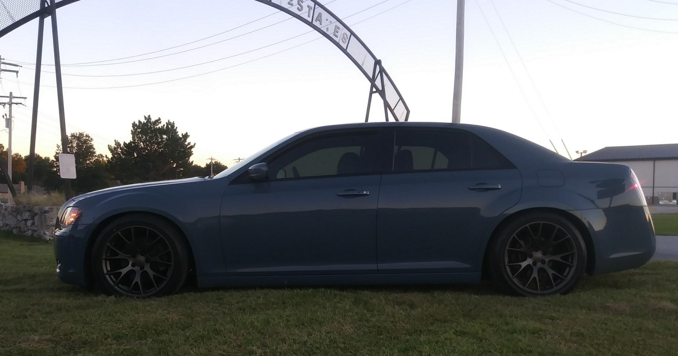 hellcat replica wheels installed! - Chrysler 300C Forum ...