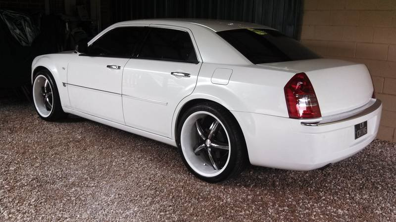 Expired Chrysler 300c Resprayed Custom White 22 Quot Rims