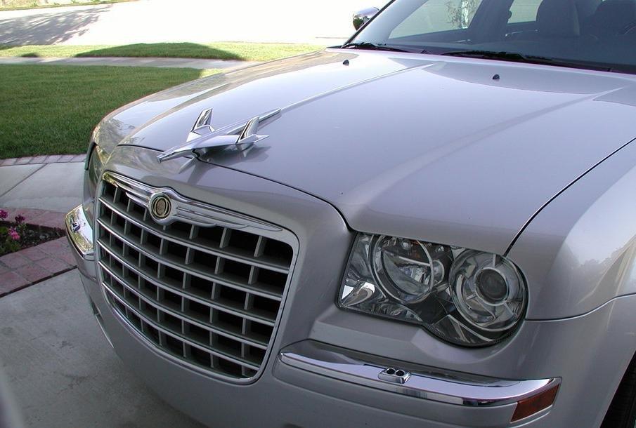 Bentley winged hood ornament-4jooxe2.jpg
