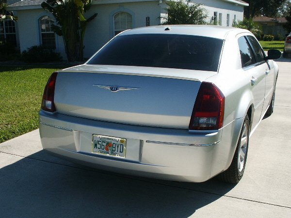 How-To: Installing 300C Tail Lights on a Touring/Base | Chrysler 300C &  SRT8 ForumsChrysler 300C Forum