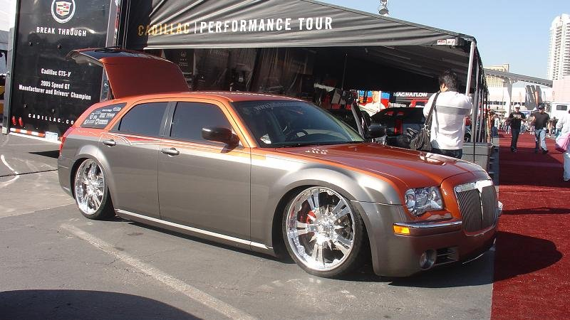 any pics of magnums with 300 front end chrysler. Black Bedroom Furniture Sets. Home Design Ideas