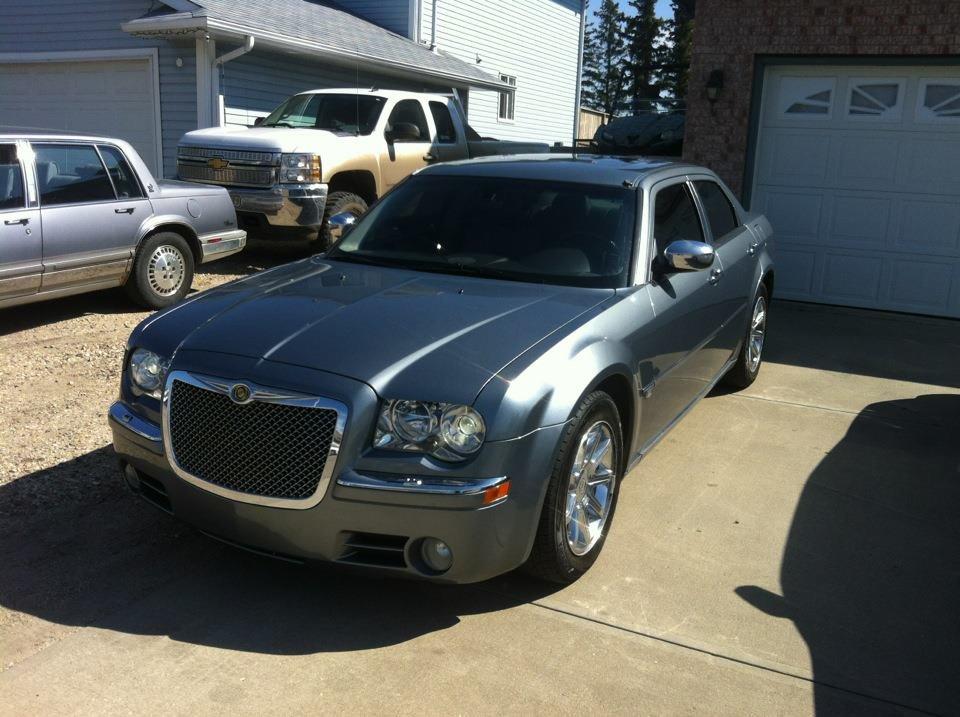 2006 Chrysler 300C-car1g.jpg