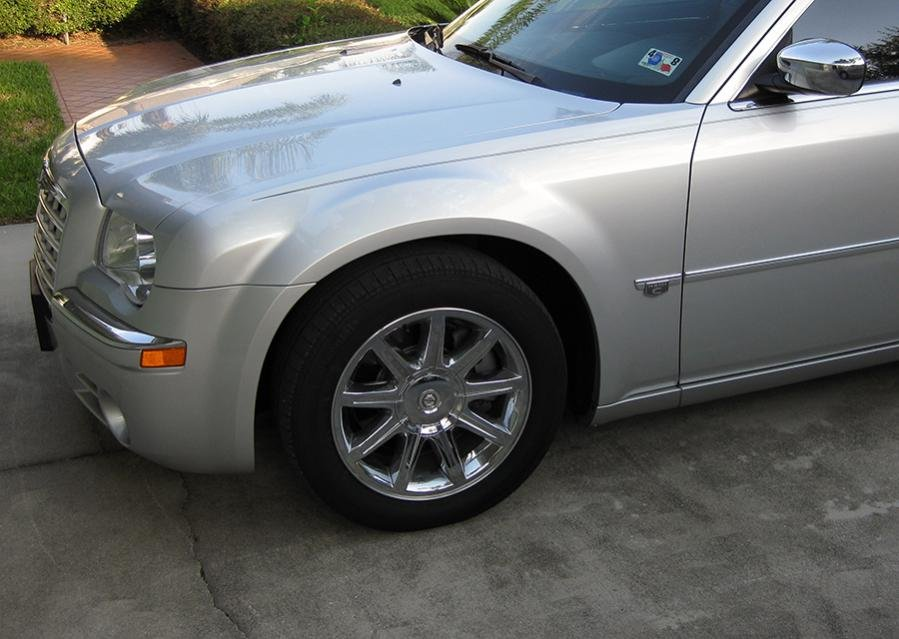 2007 chrysler 300 tire size