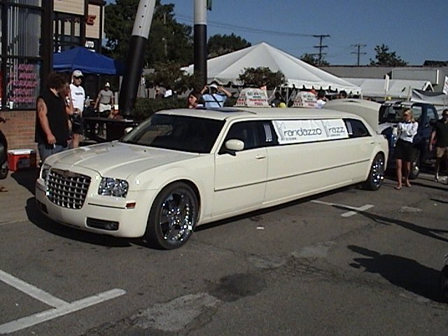 Chrysler 300 Limo Black. this 300 stretched limo.
