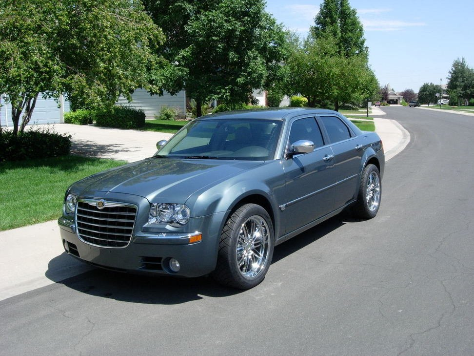 2007 300c Awd Looking For Some Wheels Chrysler 300c Forum 300c