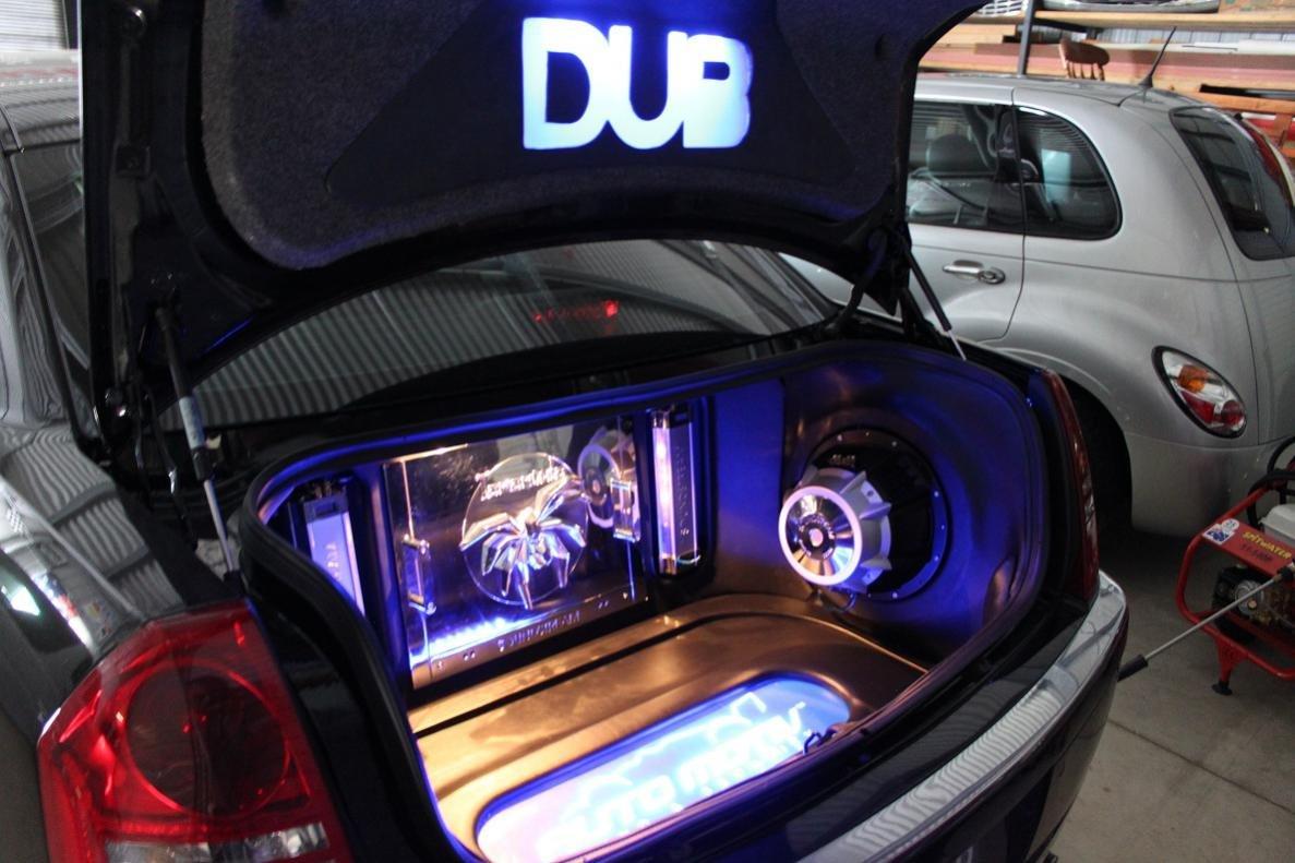 Limited Dub Edition 300c My2006 Hemi Dub3 Jpg