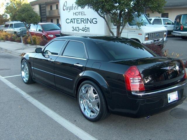 Chrysler 300C Black Grill