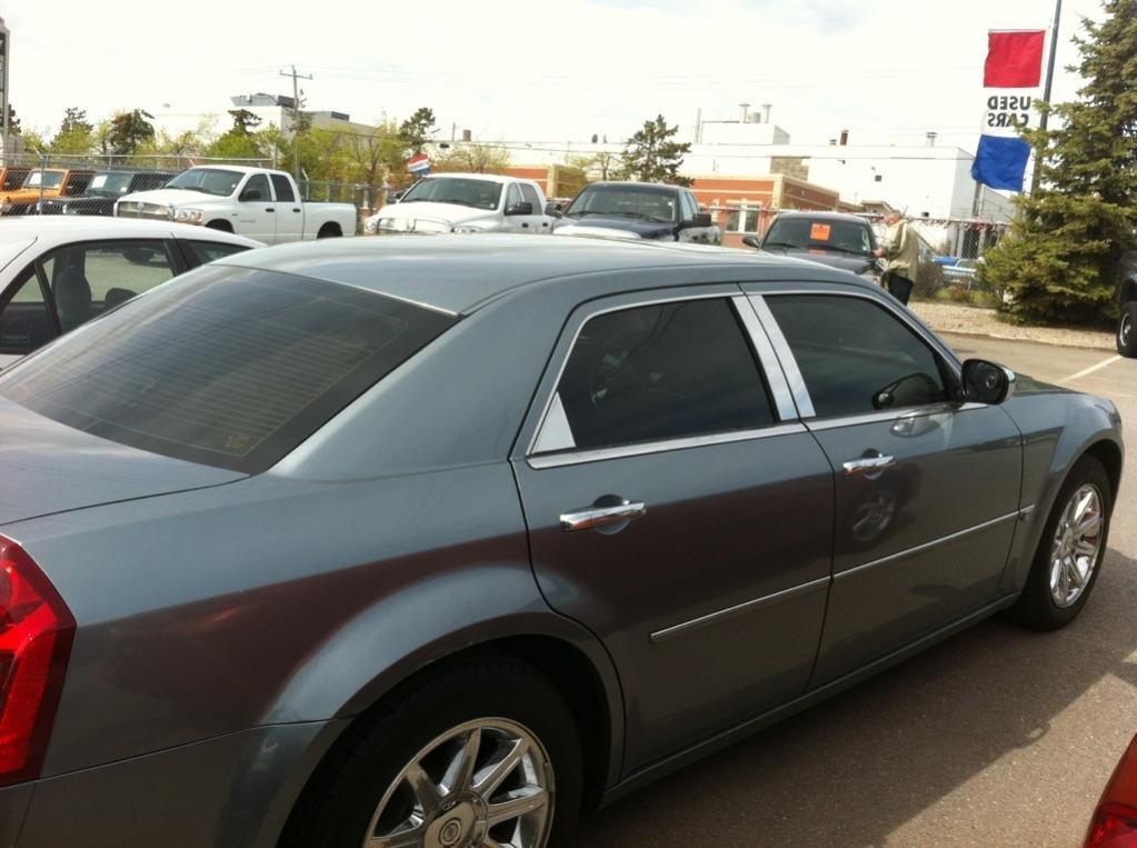2006 Chrysler 300C-photo-2.jpg