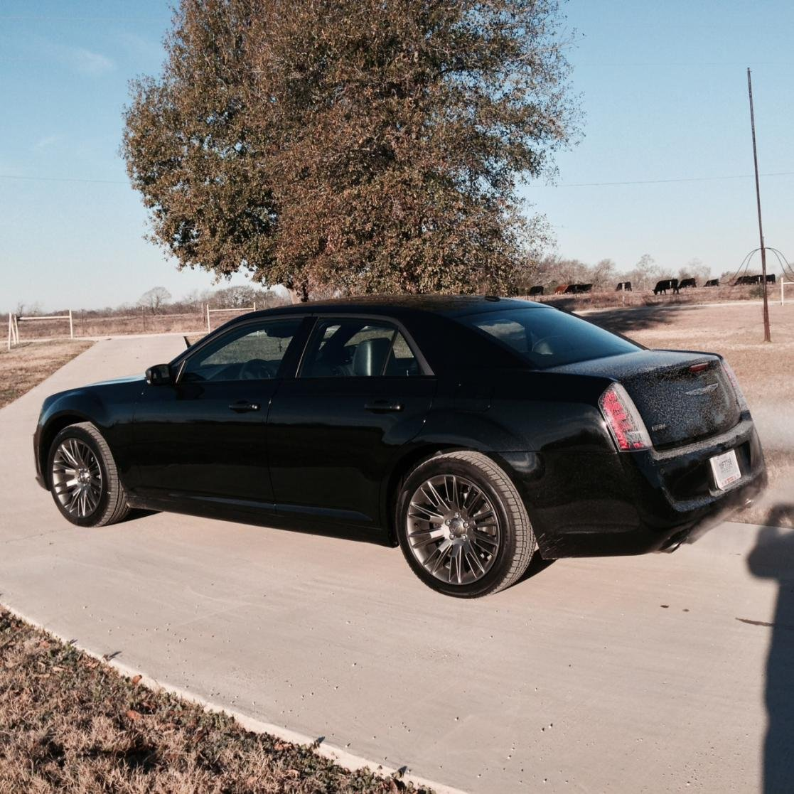 Chrysler 300c Forum 300c: Black Vapor (Black Chrome) Rims?!?!