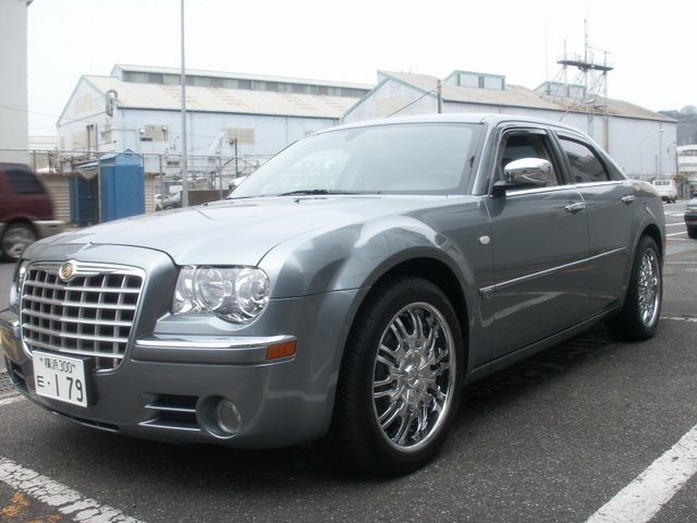 What size tires for my chrysler 300