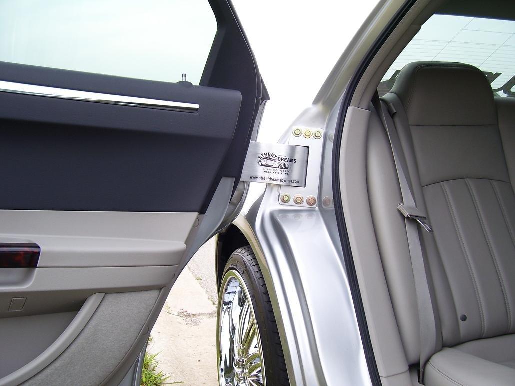 WOOOOOOW! (The hinge is a fricken work of art!) & Suicide Doors - Chrysler 300C Forum: 300C \u0026 SRT8 Forums Pezcame.Com