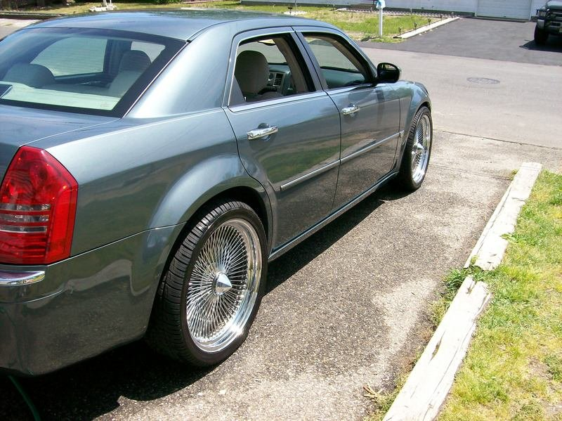 Chrysler 300 On Vogue Tires >> Wire wheel recommendations, anyone? - Chrysler 300C Forum: 300C & SRT8 Forums