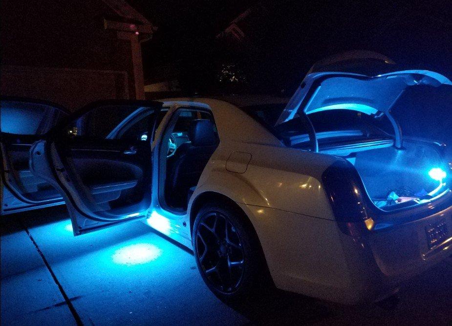 New Led Interior Lights Installed Chrysler 300c Forum Srt8 Forums