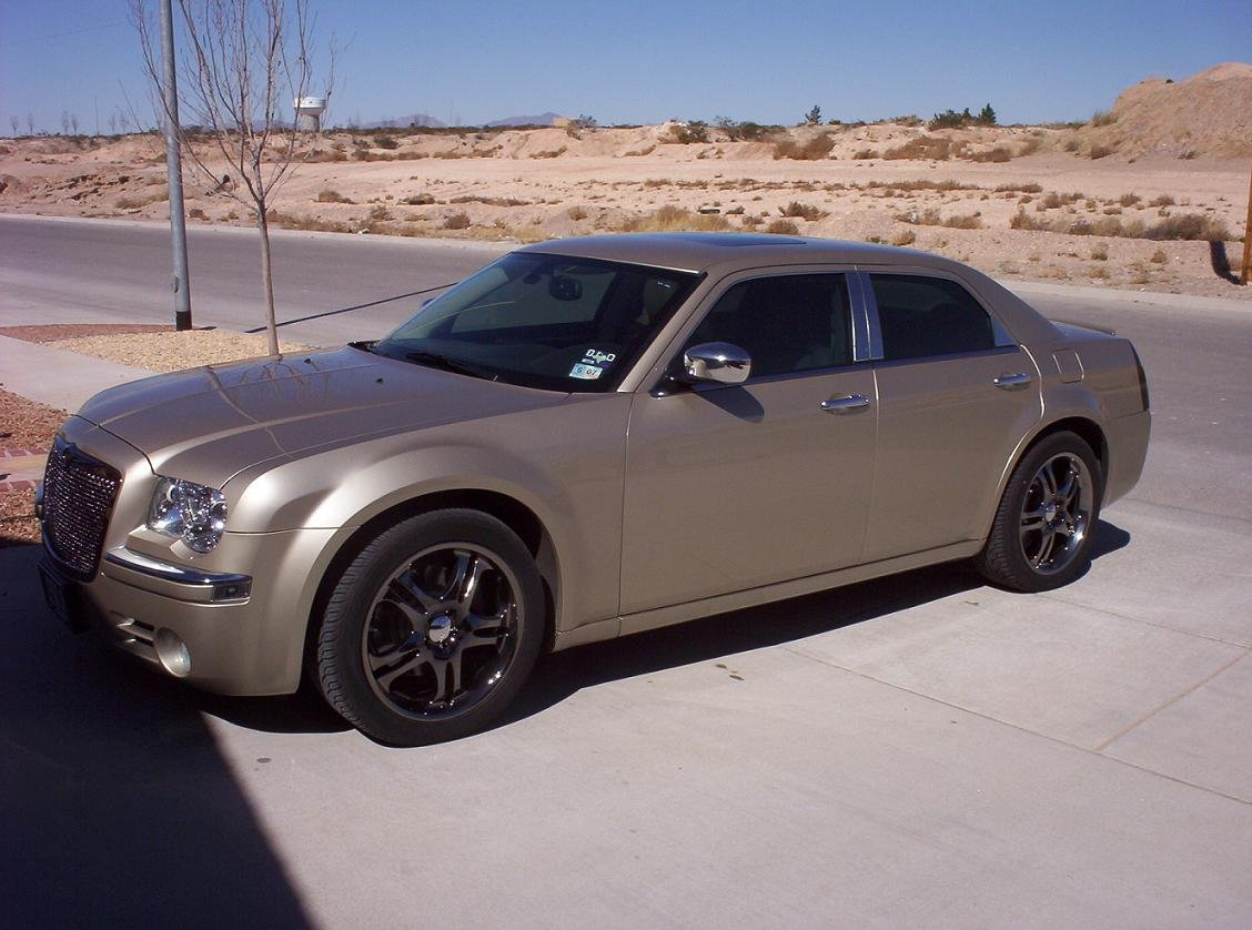 Linen Gold With Black Rims Chrysler 300c Forum 300c