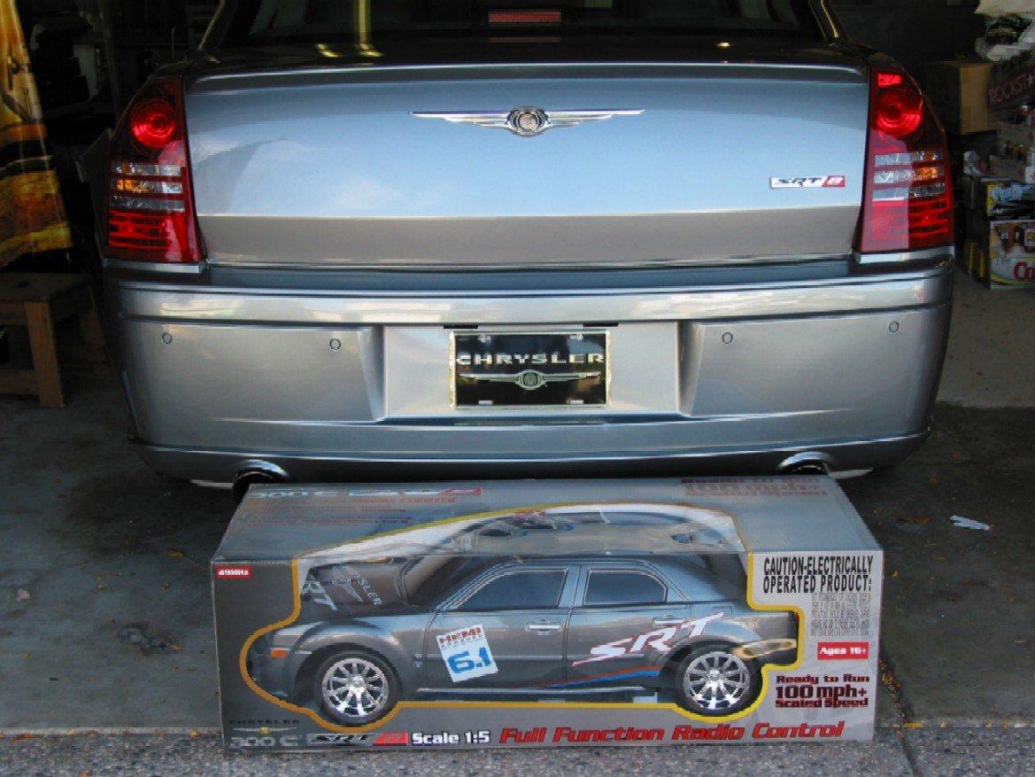 1:5 Scale '300C SRT-8'-srt-toy.jpg
