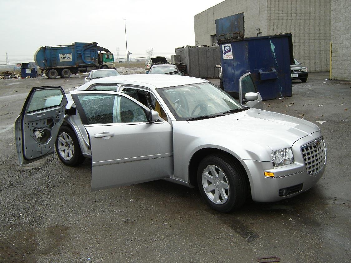 300c Suicide Doors...in Brampton-suicidepass2.jpg
