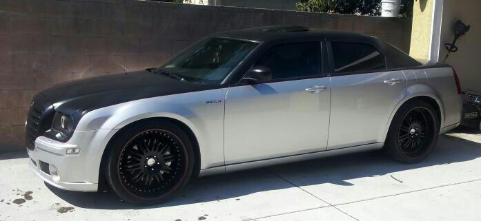 black wheels on white 300c chrysler 300c forum 300c srt8 forums. Black Bedroom Furniture Sets. Home Design Ideas